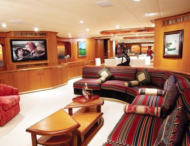 exclusive yacht charter