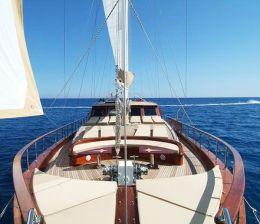 sailing gulet