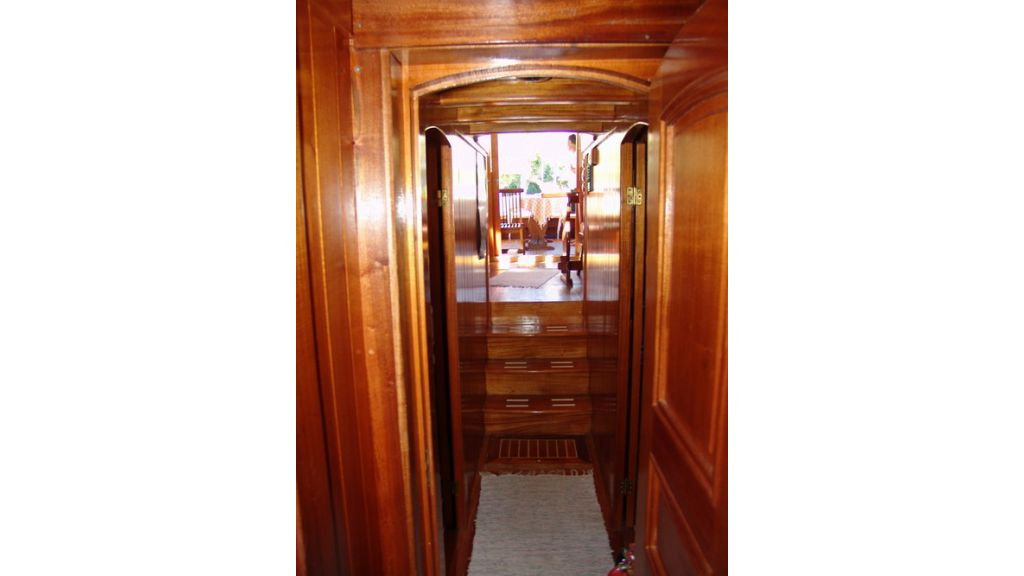 1287485059_small_transom_for_sale_9