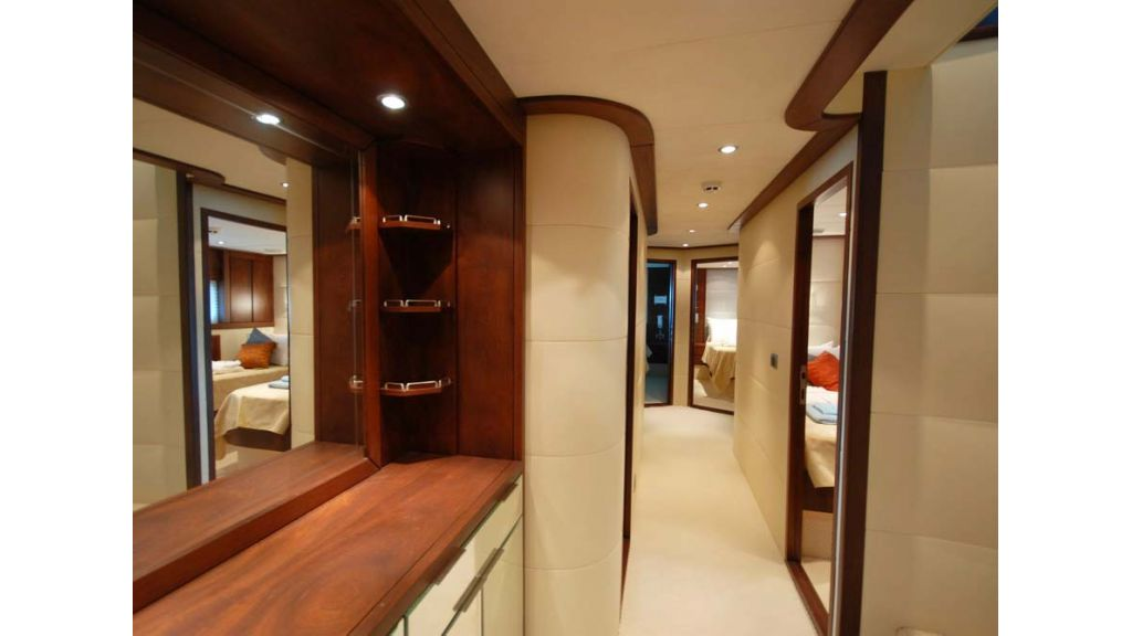 1287579355_motoryacht_for_sale_14