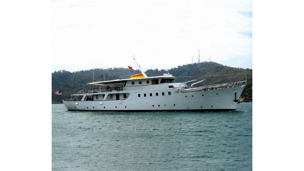 1287580138_clasic_motoryacht_for_sale_1