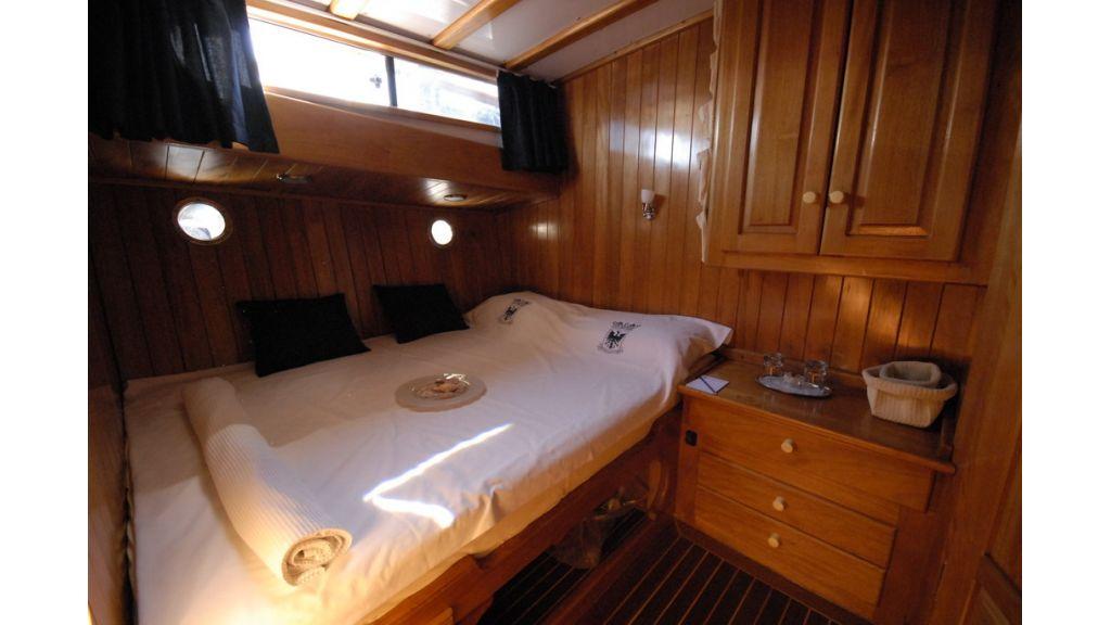 1287755513_boat_la_vicomtesse_9