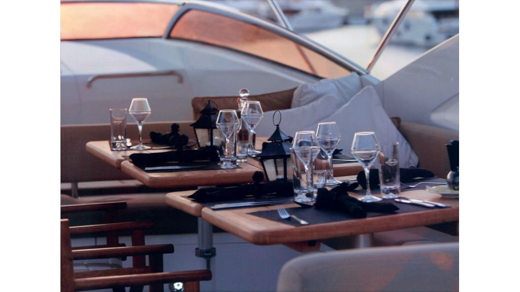 sunseekers_105_motoryacht_for_sale_14