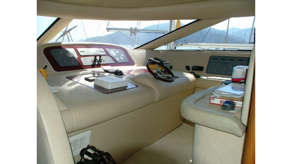 1288860546_motoryacht_for_sale_12