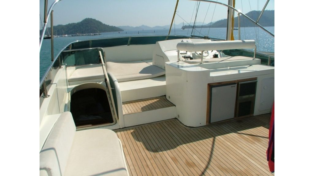 1288860574_motoryacht_for_sale_16