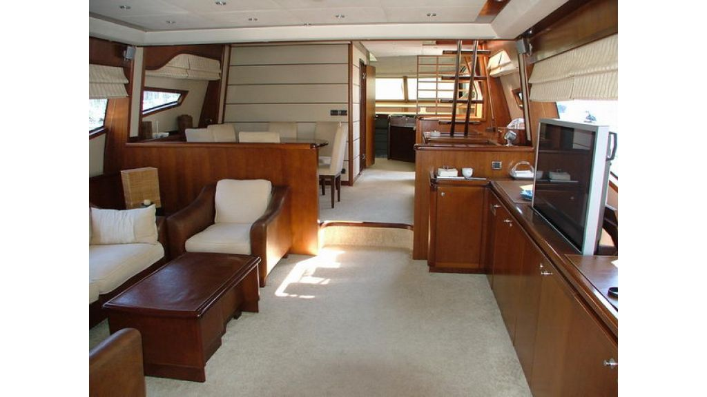 1288866218_ferretti_82_for_sale_13