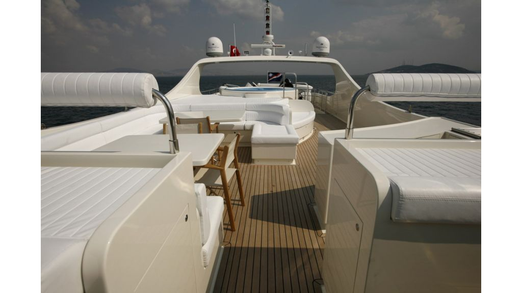 1288870566_motoryacht_for_sale_11