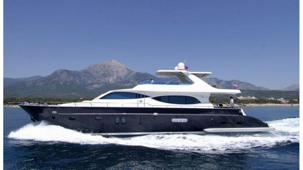 1288877908_custom_motoryacht__7
