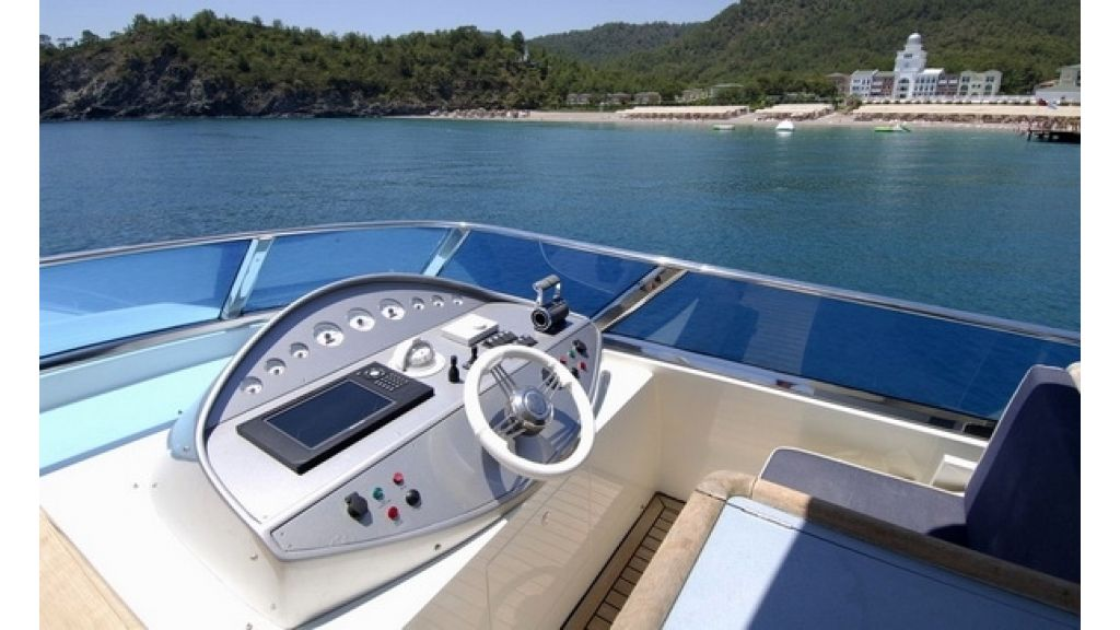 1288877932_custom_motoryacht__2