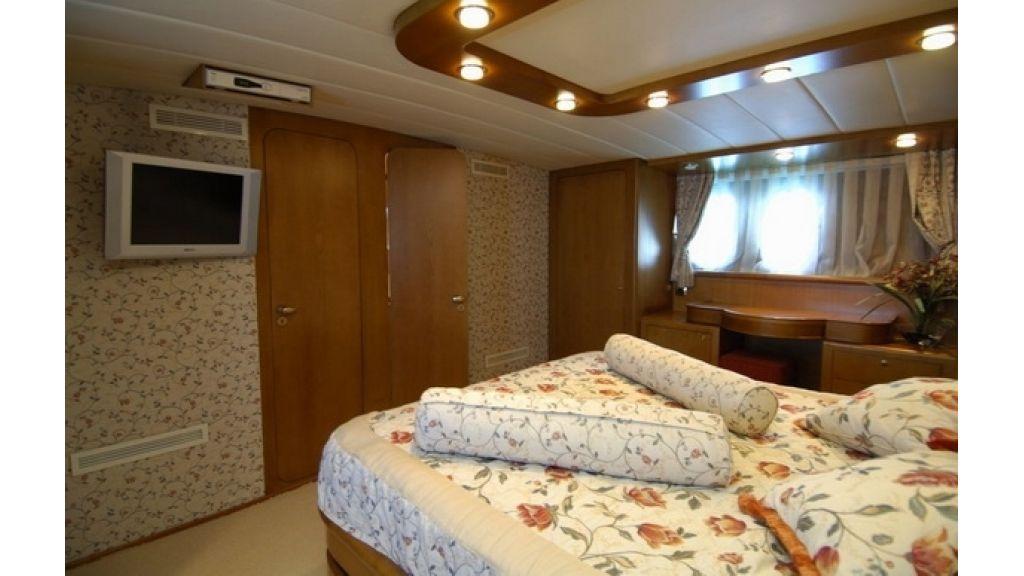 1288878035_custom_motoryacht__17