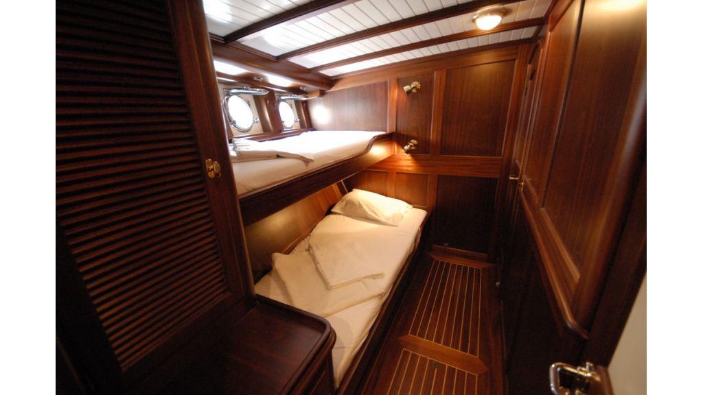 1288884758_sailing_yacht__12