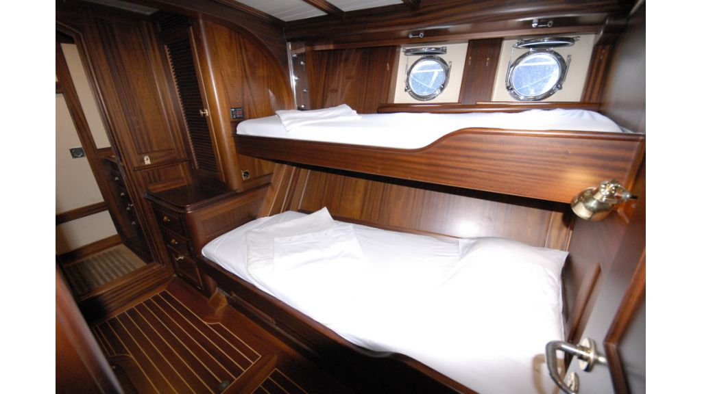 1288884771_sailing_yacht__13