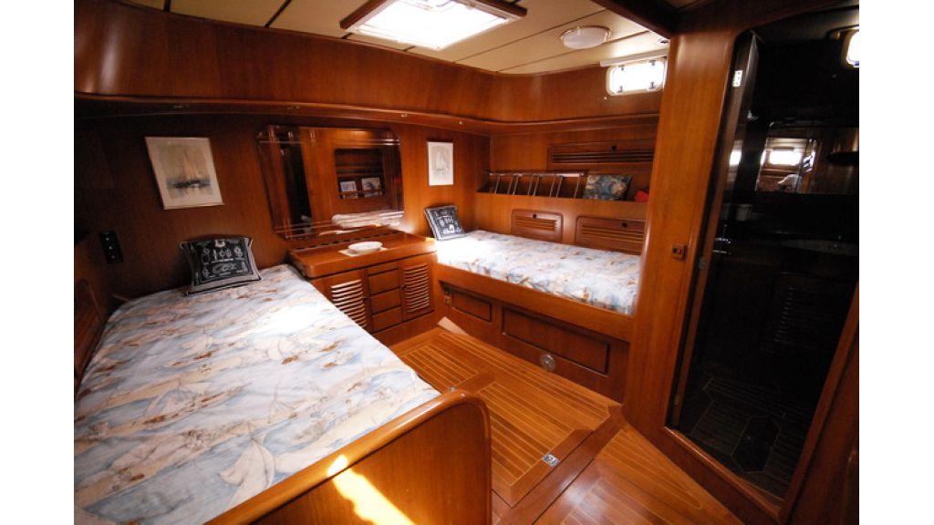 1288885661_sailingyacht_for_sale_4