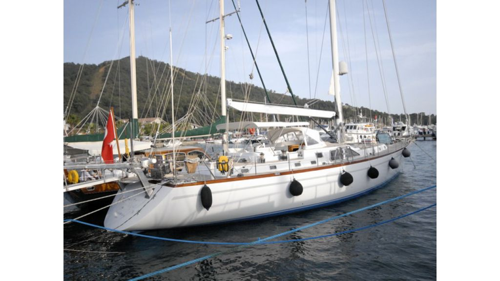 1288885684_sailingyacht_for_sale_12