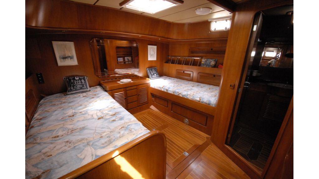 1288885695_sailingyacht_for_sale_5
