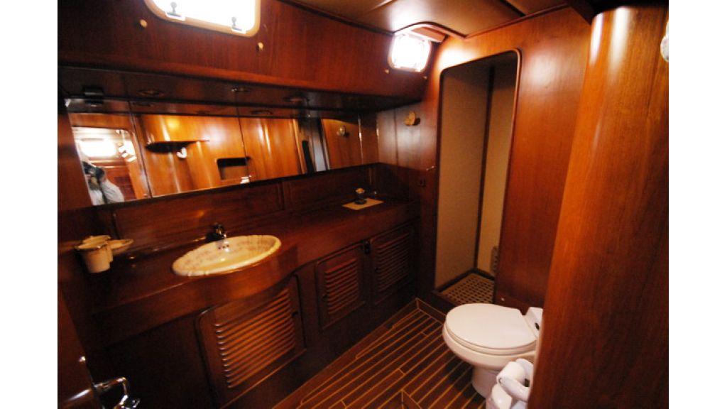 1288885708_sailingyacht_for_sale_7