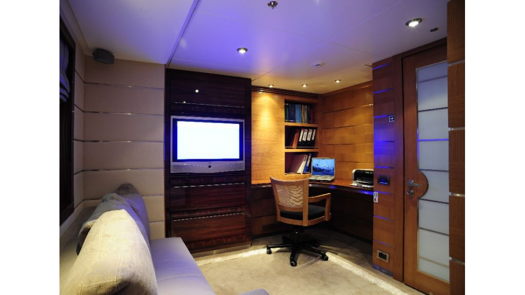 Dream On motoryacht picture (14)