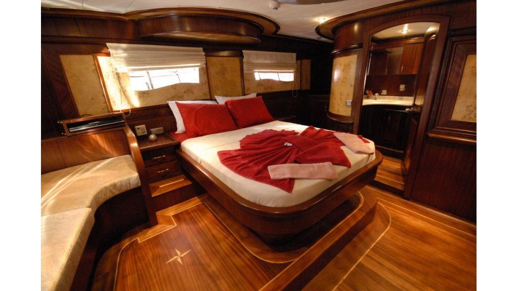 26-m-gulet master cabin