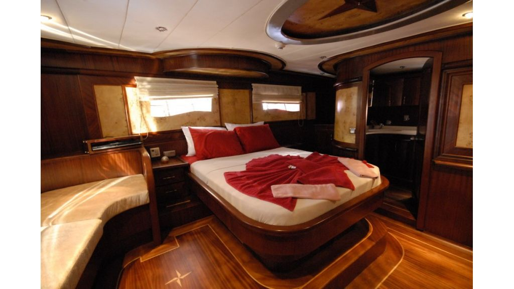 26-m-luxury-charter-gule