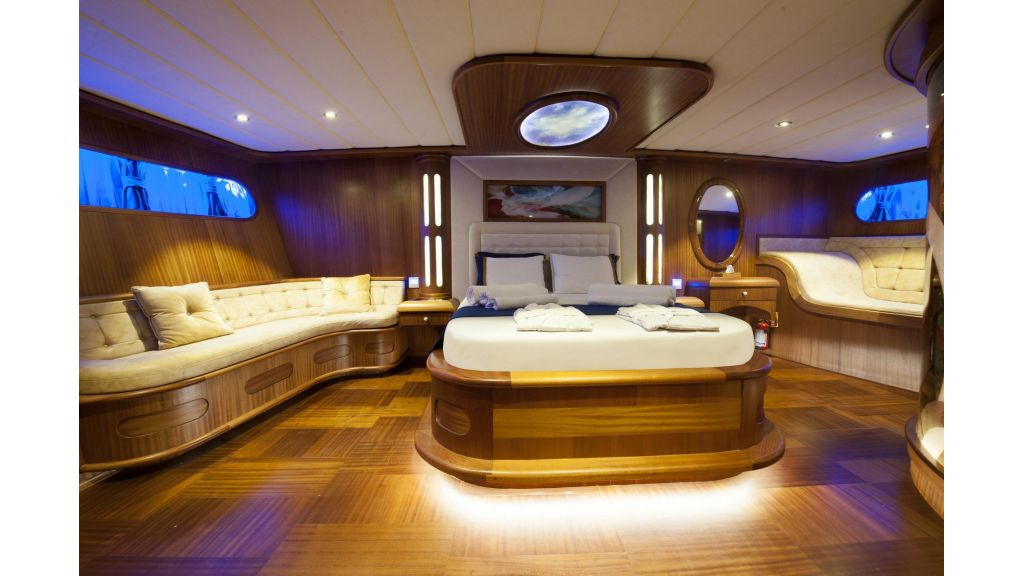 30m Charter Gulet for Sale (10)