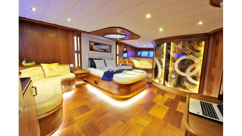 30m Charter Gulet for Sale (11)