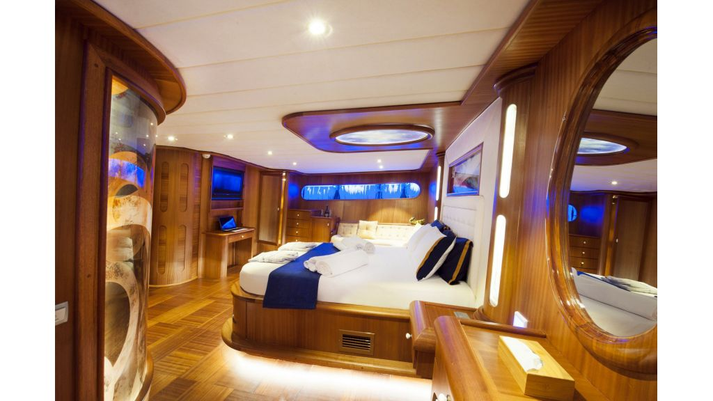 30m Charter Gulet for Sale (18)
