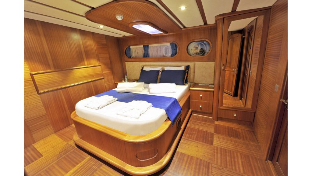 30m Charter Gulet for Sale (23)