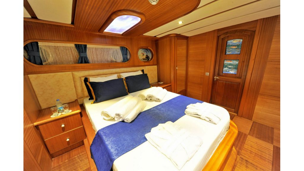 30m Charter Gulet for Sale (24)