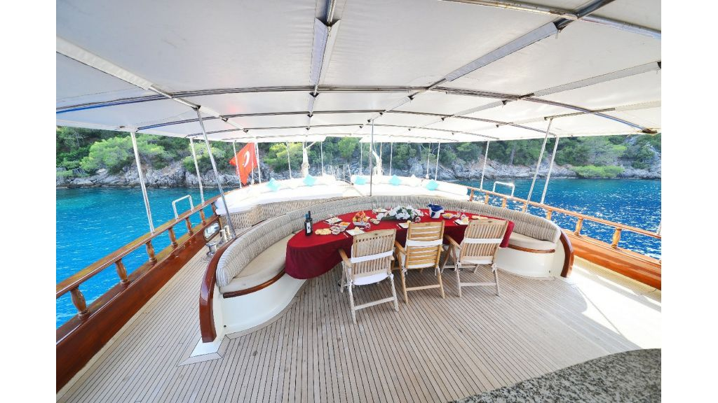 30m Charter Gulet for Sale (49)