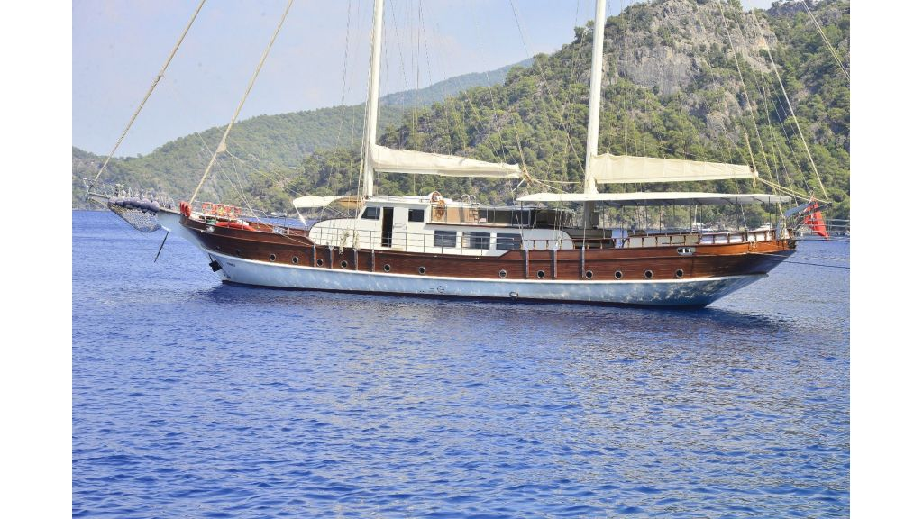 30m Charter Gulet for Sale (63)