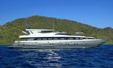 39m Mahogany Built Motor Yacht for Sale (3)