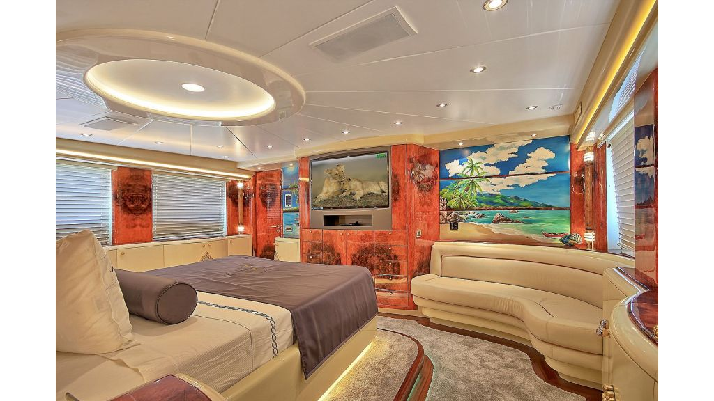 39m Mahogany Built Motor Yacht for Sale (44)