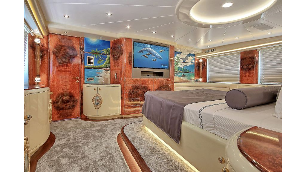 39m Mahogany Built Motor Yacht for Sale (45)