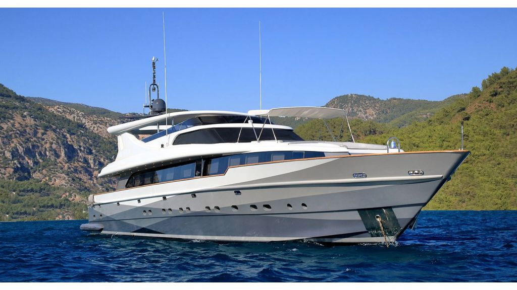 39m Mahogany Built Motor Yacht for Sale (51)