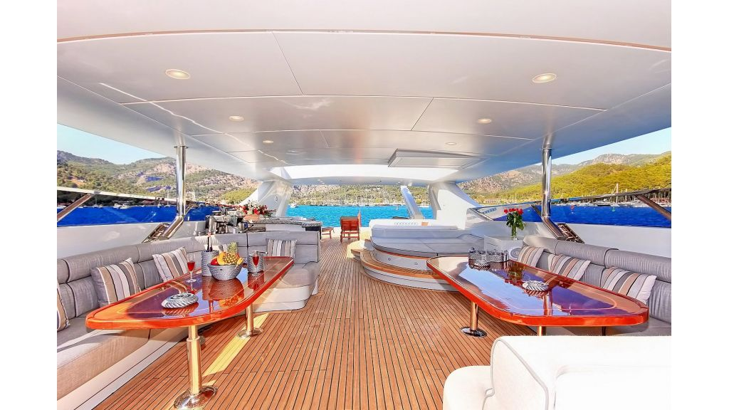 39m Mahogany Built Motor Yacht for Sale (52)