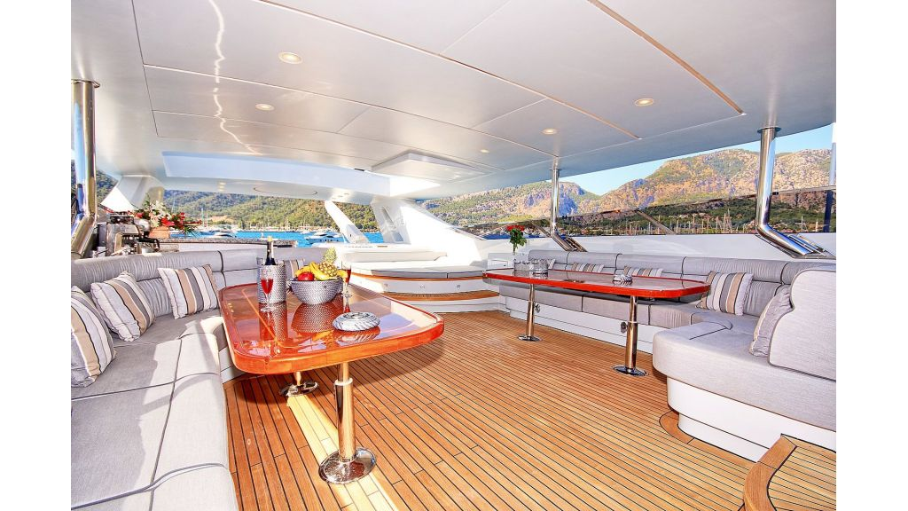 39m Mahogany Built Motor Yacht for Sale (53)