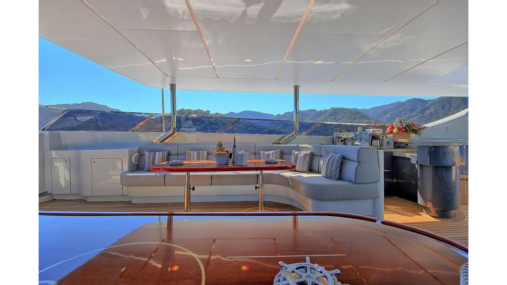 39m Mahogany Built Motor Yacht for Sale (60)