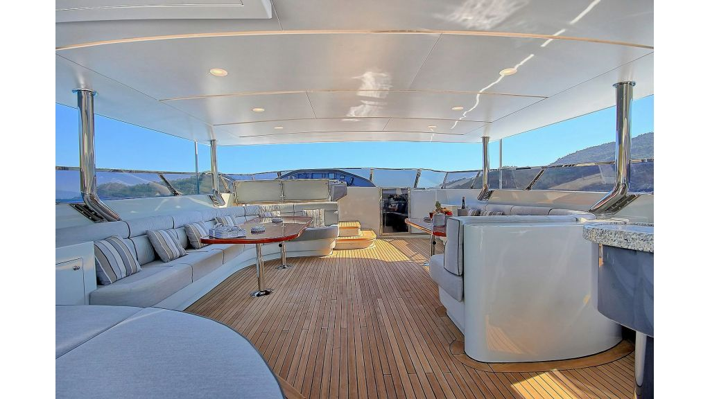 39m Mahogany Built Motor Yacht for Sale (64)