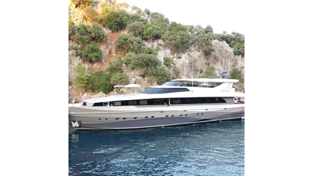 39m Mahogany Built Motor Yacht for Sale (7)