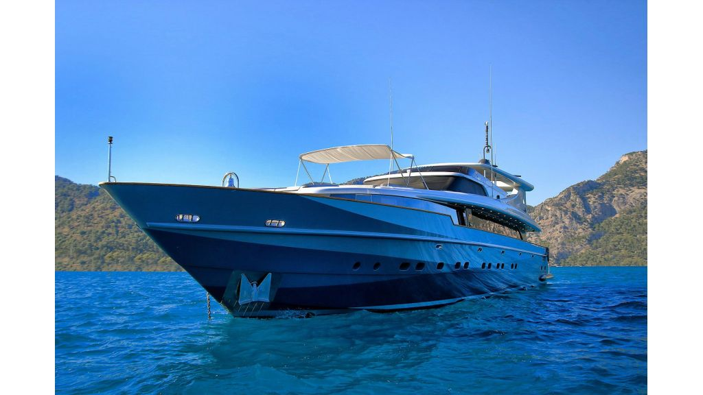 39m Mahogany Built Motor Yacht for Sale (72)