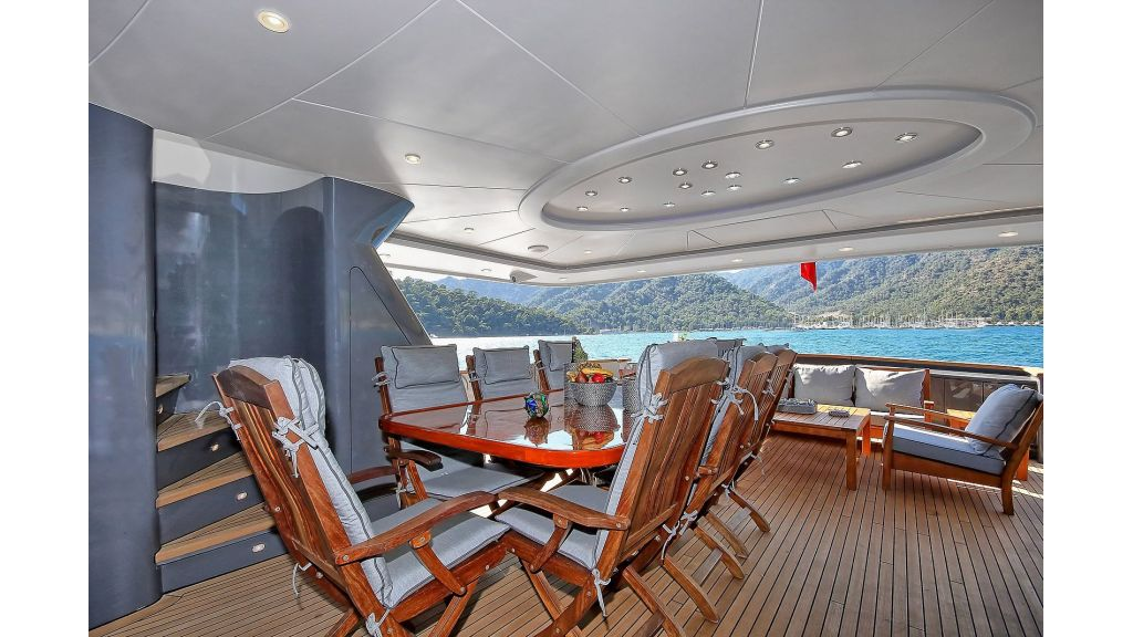 39m Mahogany Built Motor Yacht for Sale (73)