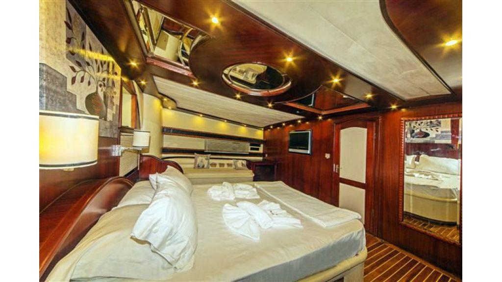 6 cabin luxury charter gulet (32)