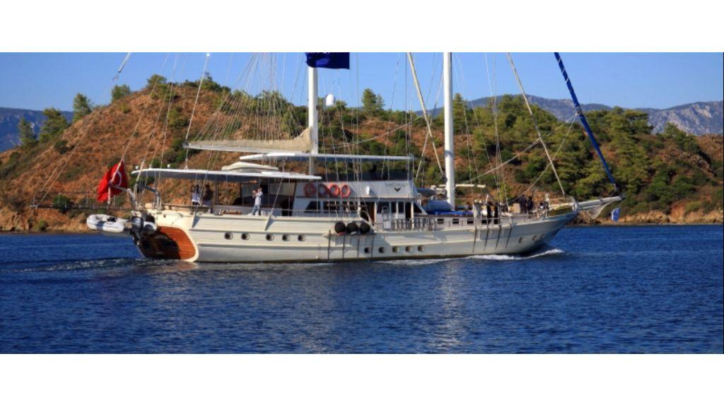 Aegean Clipper 12 cabins crewed gulet