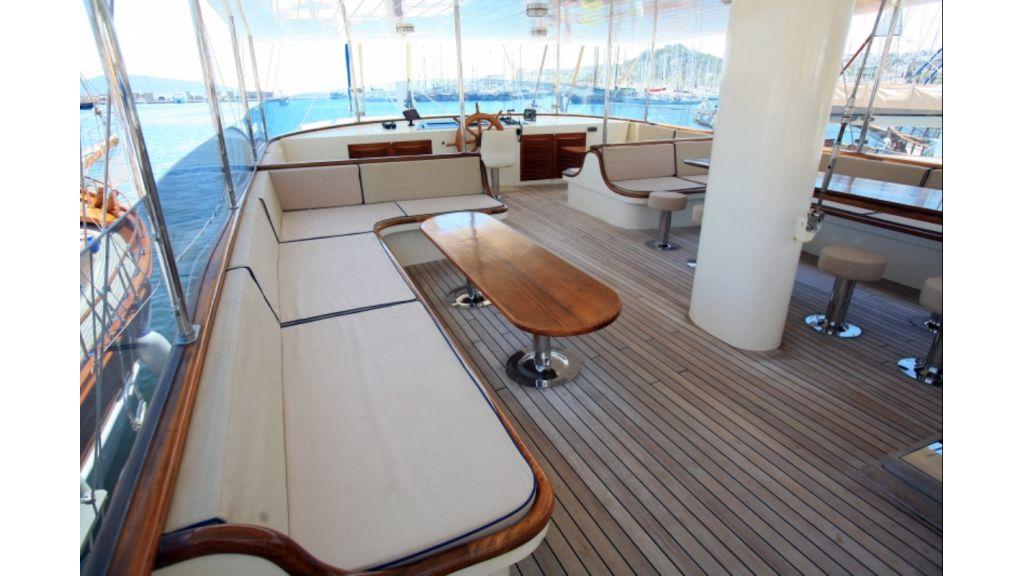 Aegean Clipper charter yacht.