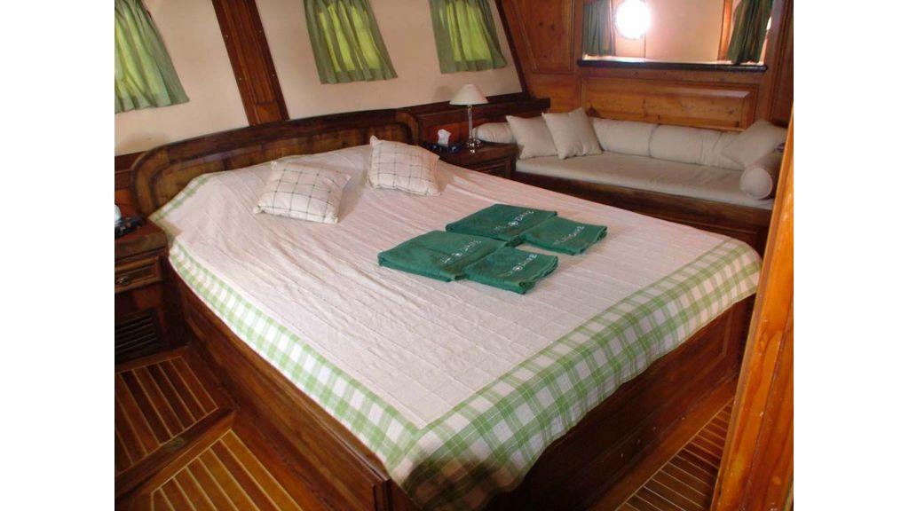 amazon solo sailing yacht (16)
