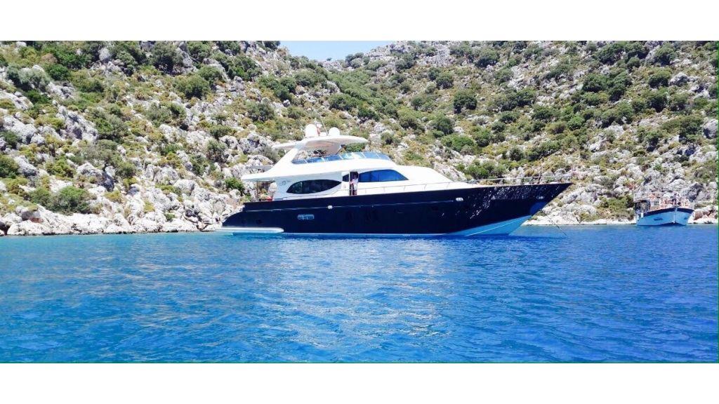Antalya built motoryacht (3)