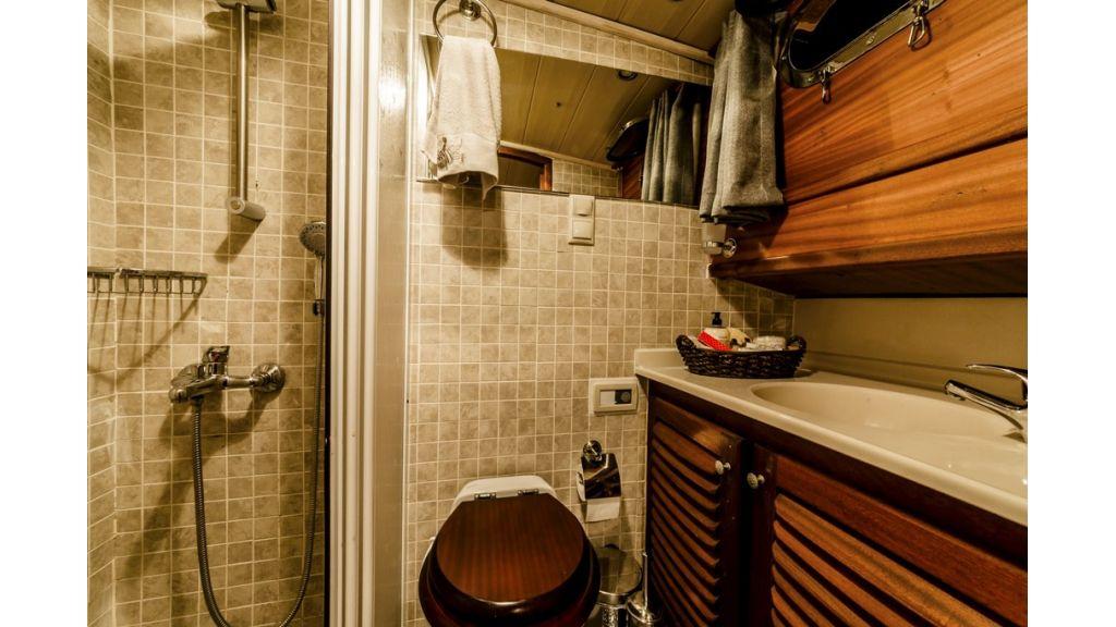 Asfiye Bathroom