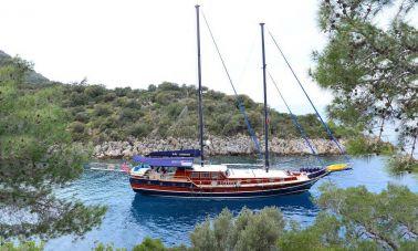 blue-capricorn-luxury-gulet (1)
