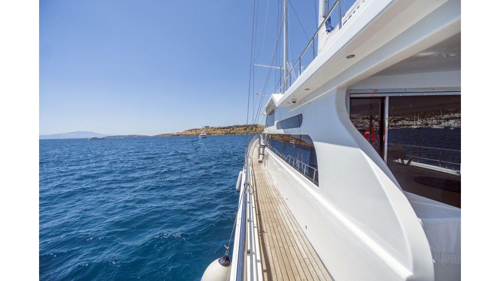 Classic Turkish motor sailer (11)