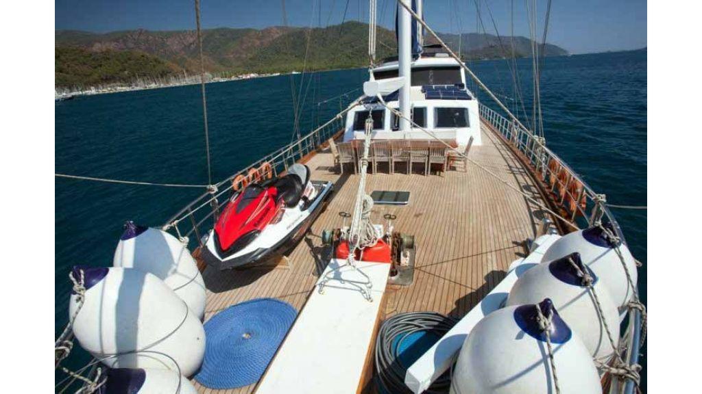 Classic Turkish motor sailer (22)